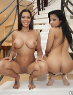 Plump cute backside, Rachel Starr and Abella Anderson shows us what booty shaking is all about